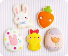 My yummy Easter / Spring sugar cookies are now freshly listed in my Etsy Shop! Find the pattern by clicking on my Etsy link in my bio! Felt Patterns, Stuffed Toys Patterns, Sewing Patterns, Sewing Basics, Sewing For Beginners, Basic Sewing, Felt Crafts, Easter Crafts, Fleece Crafts