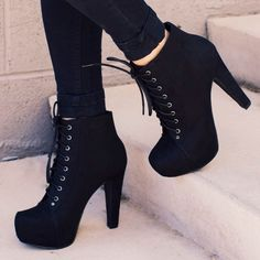 Imagem de shoes, black, and heels