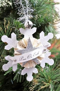 vintage snowflake & glitter ornament {tutorial} | Little Birdie Secrets