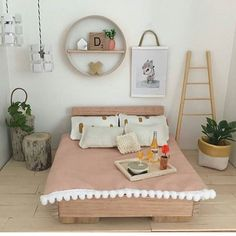 Mini styling perfection from @juliavalka, there's our little storage bag in the corner. You clever lady you! #dollshouse #miniatures #styling #dollhouse #minifurniture #mostlyminiature