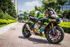 Yamaha R1m Rossi 300th Gp « Samuxx Design