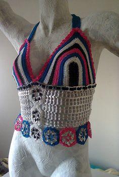 Top de anilhas e crochet
