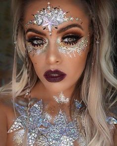 ✨⚡️WE ARE SHOOK⚡️✨ How unreal is this look created by ✨ . AND the glitter is biodegradable Glitter Make Up, Glitter Face, Maquillage Halloween, Halloween Makeup, Festival Eye Makeup, Coachella Makeup, Galaxy Makeup, Christmas Makeup Look, Carnival Makeup