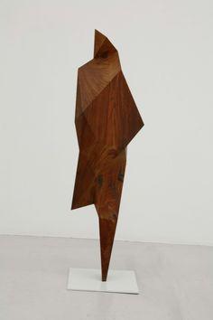 Xavier Veilhan, Pierre #6, Cocobolo, 76 x 24 x 15 cm, Galerie Perrotin, Paris, 2009.