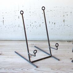 Wire Easel Plate Stand - Tabletop - Accessories & Plate stand - perfect looking expensive costing | Cocoon ...