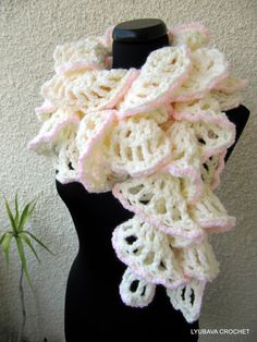 "Tutorial Crochet Pattern Ruffle Scarf ""Winter Honeymoon"", Chunky Crochet Ruffle Scarf Instant Download PDF Lyubava Crochet Pattern number 47..."