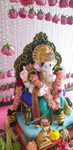 Romantic Couple Kissing, Romantic Couples, Shree Ganesh, Ganesha, Ganesh Idol, God, Decoration, Dios, Decor