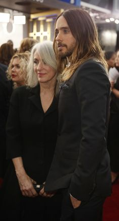 """""""Dallas Buyers club"""" actor Jared Leto and mother Constance. Gorgeous Hair, Gorgeous Men, Beautiful Boys, Beautiful People, Jared Leto Hot, Jered Leto, Dallas Buyers Club, Life On Mars, Sag Awards"""