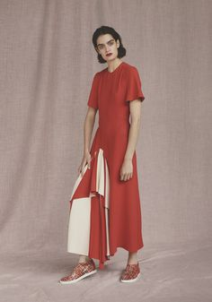 See the complete Hermès Resort 2017 collection.
