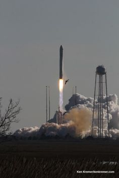 Antares Private Rocket Thunders off Virginia Coast bound for Space Station – Marks 2nd US Commercial Launch This Week  Read more: http://www.universetoday.com/#ixzz2q1BThcn8