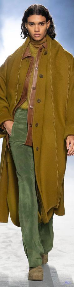 Fall 2021 RTW Alberta Ferretti High Fashion, Fashion Show, Womens Fashion, Weather Wind, Capes, Italian Fashion Designers, Alberta Ferretti, Dressmaking, Milan