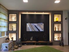 back lighting around tv Accent Walls In Living Room, Living Room Tv, Living Room Modern, Fireplace Bookcase, Fireplace Wall, Tv Cabinet Design, Wall Fires, Entertainment Wall, Basement Walls