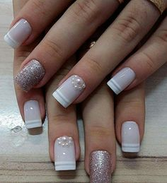 Semi-permanent varnish, false nails, patches: which manicure to choose? - My Nails Frensh Nails, Love Nails, Pretty Nails, Hair And Nails, Nails 2016, Bling Nails, Coffin Nails, Acrylic Nail Designs, Nail Art Designs