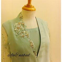 Asifa&Nabeel Kurta Designs Women, Kurti Neck Designs, Blouse Designs, Pakistani Formal Dresses, Pakistani Wedding Outfits, Stylish Dresses, Casual Dresses, Asifa And Nabeel, Tandoori Masala