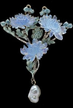 Lalique 1900 Chrysanthemum Pendant/Brooch. Maker & Muse: Women & Early 20th Century Art Jewelry Exhibition @ The Richard H. Driehaus Museum