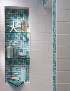 Tiled alcove adding a splash of color with white tiles (beach house bathroom ) Coastal Bathrooms, Beach Bathrooms, Beach House Bathroom, Beach Theme Bathroom, Beachy Bathroom Ideas, Colorful Bathroom, Beach Shower, Natural Bathroom, Tiny Bathrooms
