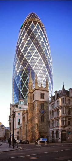 The Infinite Gallery : St Mary Axe (the Gherkin) ~ financial district, London