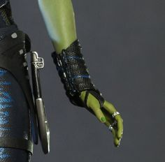 Gamora close up hq hands detail