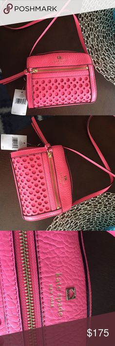 """Kate Spade crossbody 50% OFF🔥🔥 🔥🔥NWT cute and stylish Kate Spade cross body. Just in time for Spring!☔️🌺 JUST REDUCED.                 Measures 6.75""""L x 5.5""""H x4""""W kate spade Bags Crossbody Bags"""