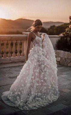 Wedding Dress Tea Length, Maxi Dress Wedding, Wedding Dress Trends, Wedding Shoes, Tulle Wedding, Boho Wedding, Wedding Ideas, Wedding Venues, Wedding Hacks