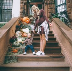 Fall arrangements for your stoop/entryway #autumn