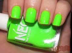 love the birght nails for summer!