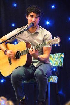 Darren Criss concert at g4 convention,