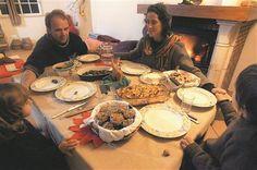 Tornaram-se vegetarianos por razões de saúde, éticas ou motivados pela defesa da sustentabilidade do meio ambiente. Seguem um estilo de vida que exclui os animais e, por vezes, os derivados da sua alimentação. O SOL falou com algumas famílias vegetarianas para saber como adaptam as receitas típicas desta altura do ano ao seu estilo de vida.