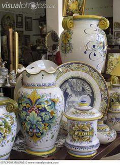 Italy, Umbria, Perugia, Giulio Gialletti ceramics,