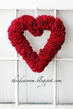 DIY...Heart Felt Wreath for S.Valentine.  This would look great in pink! xo