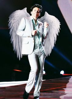 HARRY STYLES IS THE ONLY VICTORIA SECRET ANGEL I KNOW