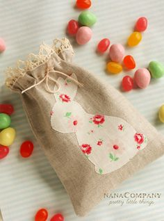burlap bunny Easter favor totes