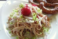 Bayerischer Wurstsalat 1 Spaghetti, Food And Drink, Baking, Ethnic Recipes, German Recipes, German Language, Dips, Low Carb, Cook