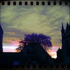 un ciel presqu'iréel, fenêtre cathédrale