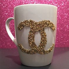 Find images and videos about chanel, glitter and golden on We Heart It - the app to get lost in what you love. Chanel Bedroom, Estilo Coco Chanel, Chanel Decor, Cute Cups, Mug Designs, Vinyl Designs, Girly Things, Diy Gifts, Coffee Mugs