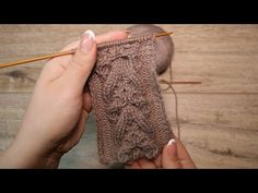 """Decorative braid with knitting needles """"Honeycombs"""" Decorative cable """"Honeycombs & quo … – The Best Ideas Knitting Stiches, Knitting Videos, Knitting For Beginners, Knitting Needles, Knitting Projects, Crochet Stitches, Hand Knitting, Knit Crochet, Knitting Patterns"""