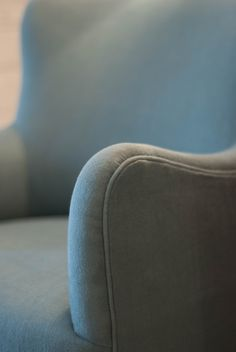Swivel armchair - arm detail