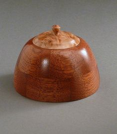 Segmented Mahogany & Bigleaf Maple Burl Box    Small, round lidded boxes have been popular for probably as long as woodturners have spun ...