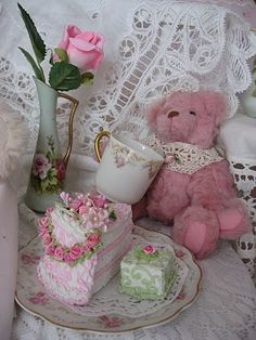 Shabby Cats and Roses: It's Teacup Tuesday #3 For Me!