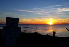 Der #Sonnenuntergang auf #Hiddensee ist immer unbeschreiblich schön   #sunset #sun #sky #beautiful #nofilter #clouds #nature #landscape #evening #amazing #picoftheday #silhouette #beauty #orange #blue #sunshine #ostsee #balticsea #meer #schön #happy