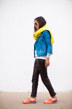 Brights, Song of Style, fashionblogger, bright leather jacket, faux leather baggy trousers, New Balance sneakers