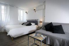 Un hôtel en ville - un hôtel de charme au cœur de La Rochelle Bed, Furniture, Home Decor, Tips, City, Decoration Home, Room Decor, Home Furniture, Interior Design