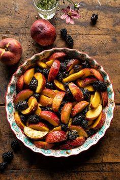 Cinnamon Maple Brown Butter Blackberry Peach Crisp | halfbakedharvest.com Peach Butter, Brown Butter, Key Lime Pie Bars, Cookie Crisp, Peach Crisp, Half Baked Harvest, Crisp Recipe, Sweet Breakfast, Butter Recipe