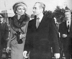 Empress Farah and Shah accompanied by Bakhtiar (16January 1979) http://bit.ly/1vFLe3G