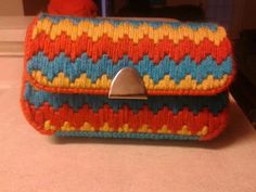 Purse made with plastic canva!!!