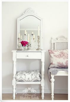 home decor #shabby #white #vignette