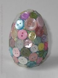 Button Egg-- these would be so cute to decorate a classroom with.