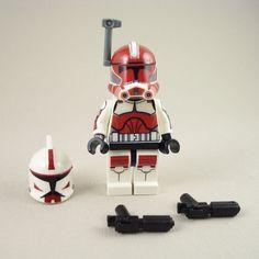 LEGO-Star-Wars-Captain-Fox-Clone-Trooper-Phase-2-Armor-Mini-Figure-Battle-Pack
