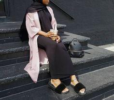 Pinterest: just4girls Islamic Fashion, Muslim Fashion, Modest Fashion, Hijab Fashion, Black Pencil Skirt Outfit, Pencil Skirt Outfits, Hijab Styles, Beautiful Hijab, Mode Hijab