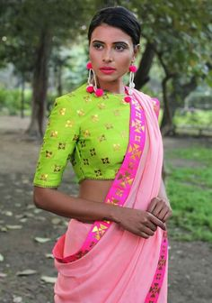Do you need the best quality Indian Saree and items such as Designer Saree and Latest Elegant Sari Blouse then CLICK VISIT link to read Saree Blouse Patterns, Sari Blouse, Saree Dress, Indian Attire, Indian Wear, Indian Outfits, Indian Dresses, Ethnic Fashion, Indian Fashion